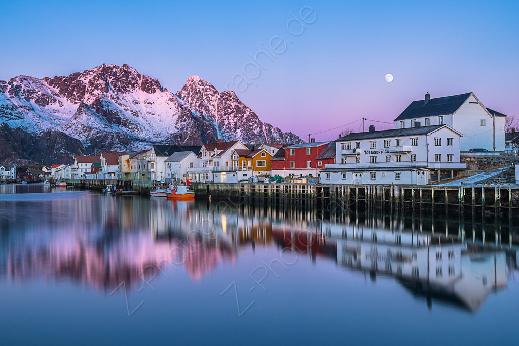 Sunset in Henningsvaer, Lofoten, Norway